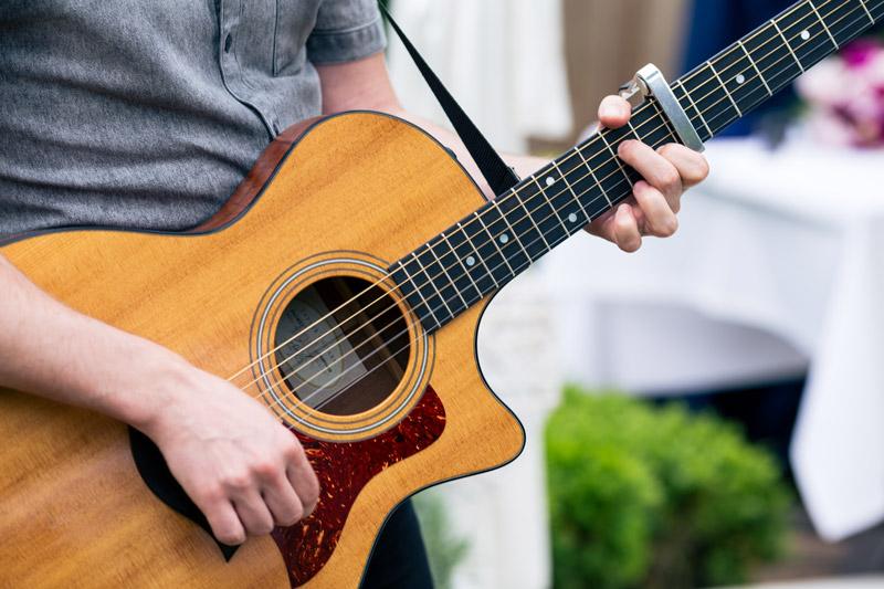 live muziek tijdens de bruiloft gitaar
