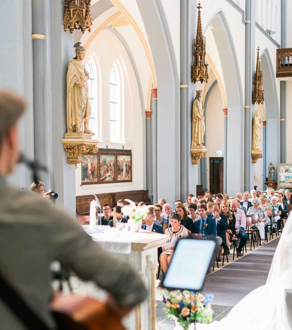 Hoeveel liedjes kies je voor tijdens de trouwceremonie in de kerk